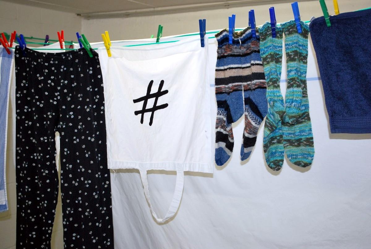Silvernerd  Hashtag oder Waschtag? Immer dieser  -> Waschmaschine Duden