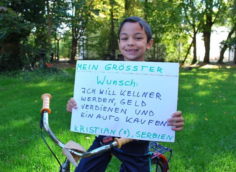 Kristian (7) aus Serbien träumt vom Kellnern und einem Auto.