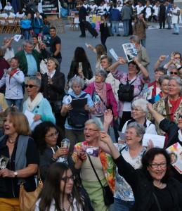 Seniorenflashmob in Köln anlässlich des Weltseniorentags am 1. Oktober 2014.