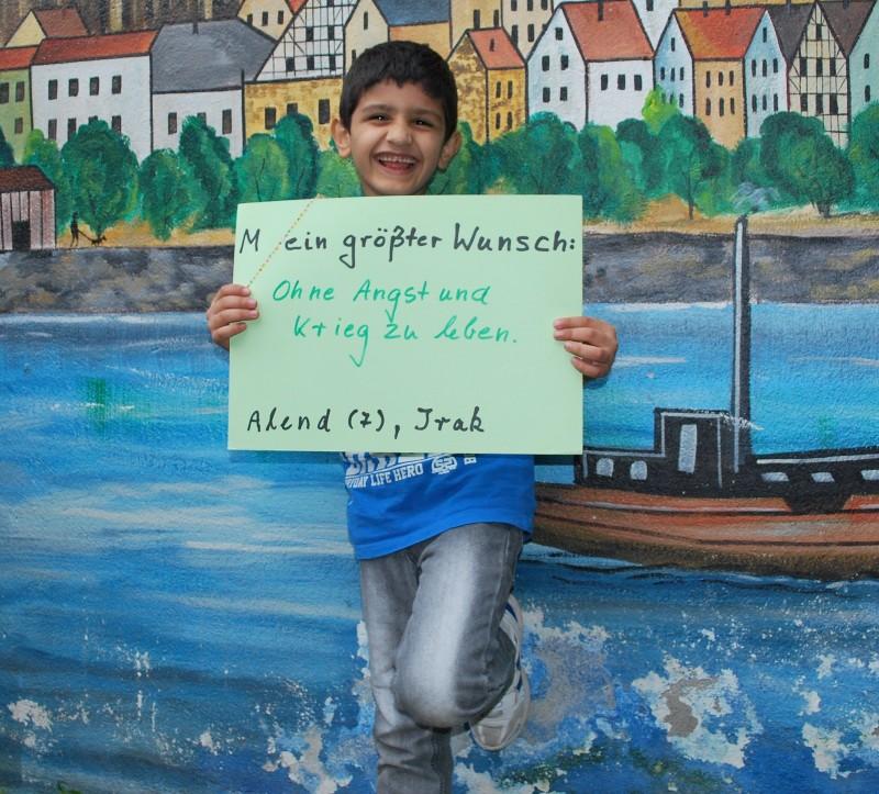 Alend (7) aus dem Irak möchte ohne Angst und Krieg leben.
