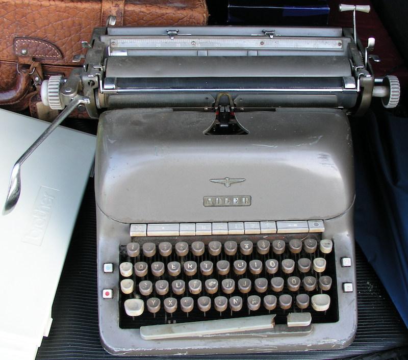 Meine ersten Zeitungsartikel habe ich noch auf einer mechanischen Schreibmaschine geschrieben.